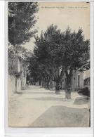 84 SAINT-SATURNIN-LES-APT . Cours De La Liberté  , édit : ? , écrite En 1945 , état Extra - Other Municipalities