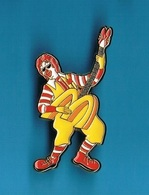 1 PIN'S  // ** RONALD / CLOWN McDONALD'S ** // Tirage 20 . (McDo Limited Edition Of 200 Made In U.S.A.) - McDonald's