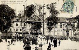 22 GUINGAMP - Fêtes De La Saint-Loup - La Musique Sur La Place Du Centre - Très Animée - Guingamp