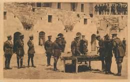 "CPA ISRAËL ""Jerusalem, Distribution De Médailles"" - Israele"