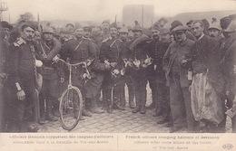 CPA - VIC SUR AISNE - Militaria - Officiers Français Rapportant Des Casques D'officiers Allemands - Weltkrieg 1914-18