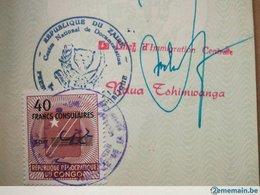 VISA RÉPUBLIQUE DU ZAÏRE DANS VIEUX PASSEPORT BELGIQUE AVEC 2 TIMBRES  FISCAUX CONGO  CACHETS VIEUX PAPIERS ANNÉE 1974 - Historical Documents
