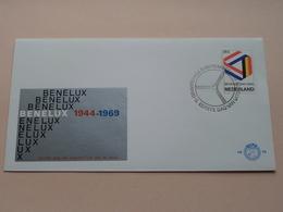BENELUX 1944 -- 1969 / 8 Sept 1969 - N.V.P.H. Nr. 98 ( Zie / Voir Photo ) 1ste Dag Uitgave / FDC ! - FDC
