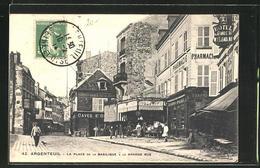 CPA Argenteuil, La Place De La Basilique, La Grande Rue - Argenteuil