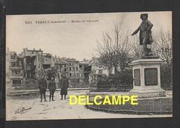 DD / GUERRE 1914-18 / VERDUN (MEUSE) / LA VILLE BOMBARDÉE ET LA STATUE DE CHEVERT / ANIMÉE - Guerre 1914-18