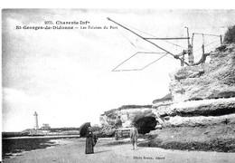 Saint-Georges-de-Didonne. Les Falaises Du Port Et Le Phare. - Saint-Georges-de-Didonne