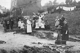Flémalle-Grande - Bois Donnay - Chemin Du Fort (belle Animation, Fontaine, Edit Lecomte Fivez, Censure 1918) - Flémalle