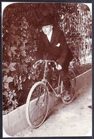 VIEILLE PHOTO MONTEE SUR CARTON - MONSIEUR SUR VIEUX VELO DE SPORT - CYCLISME - WIELRENNEN - BICYCLE - 14 X 9.5cm - Sport