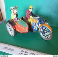 Gm S - Vieux Jouets En Fer - Moteur Avec Side-car - Motor Met Zijspan - Toy Memorabilia