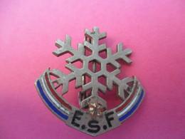 Médaille De Sport à épingle/ Flocon  1 étoile/ Arthus Bertrand/ Bronze Nickelé émaillé/ Vers 1950                MED271 - Sport Invernali