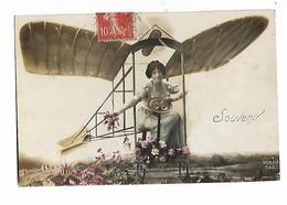 """Dans  """" Avion  """"  , Fleurs    -  """" Souvenir  """" - Femmes"""