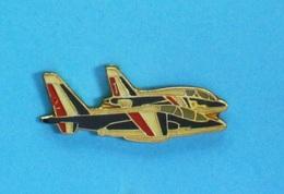 1 PIN'S // ** ARMÉE DE L'AIR / N°1 ET N°2 / ALPHA-JETS DE LA  PATROUILLE DE FRANCE ** . (ID. Monte Carlo) - Airplanes