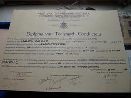 Diploma Van TECHNISCH CONDUCTEUR Vrijë Vak- En Nijverheidsschool Londenstraat Antwerpen 1942 > MAHIEU ( Zie Foto's ) ! - Diplômes & Bulletins Scolaires