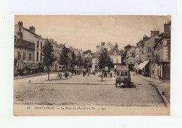 Montereau. La Place Du Marché Au Blé. Diligence. Devanture Au Petit Louvre. (3095) - Montereau