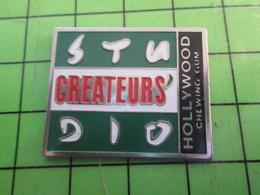1318b Pin's Pins / Rare Et De Belle Qualité / MARQUES : STUDIO CREATEURS HOLLYWOOD CHEWING GUM - Merken