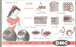 Buvard DMC Buvard N°6 Apprenez à Broder Avec Les Flis DMC - Textile & Clothing