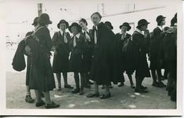 13379  Scoutisme -Savoie  Ancienne Patrouille De Guide  En Vadrouille  Dans Les Années 1940/50 - Scouting