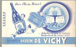 Buvard VICHY Adopter Les Eaux Et Les Pastilles Marquées De La Vasque Bleue - Chemist's