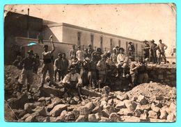 Photo - Italie, Pologne, St Marin ? - Il Castello E Principio Del Lavoro - Militaire - Prison ? - Château - Ouvrier 1927 - Places