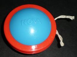 Rare VINTAGE, NOVA, Yoyo Yo-yo En Plastique, Mamie Produits Laitier, Radio ??? - Unclassified