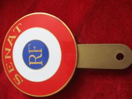 Plaque Porte Cocarde Pour Automobile  / SENAT /Bronze Cloisonné émaillé/ Entre 1950 Et 2000           MED290 - Altri Oggetti