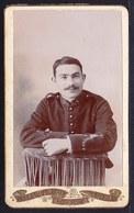 VIEILLE PHOTO CDV MILITAIRE - SOLDAT FRANCAIS DU 4ème REGIMENT à ALGER ( Légion ?)  - PHOTO LANZARO De ALGER - Photos