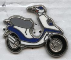 Pin's Scooter (signé Ballard) - Motorbikes