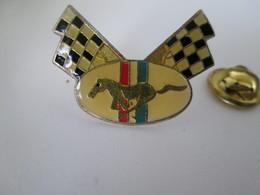 PIN'S    LOGO  MUSTANG - Ford