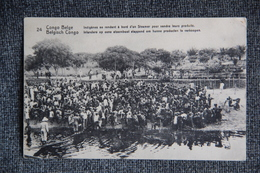 CONGO BELGE - Indigènes Se Rendant à Bord D'un Steamer Pour Vendre Leurs Produits. - Congo Belge - Autres