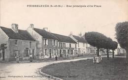PIERRELEVEE - Rue Principale Et La Place - Other Municipalities