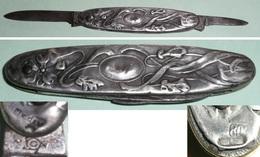 Petit Couteau Pliant à 2 Lames, Plaquettes Embouties En Argent 800, Style Art Nouveau - Outils