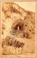Grand Tirage Photo Albuminé Cartonné - Grotte De Notre Dame, 238 Rue Du Vieux Village, 74410 Duingt & Prière Vs 1880 - Old (before 1900)