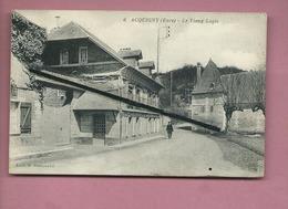 CPA  Abîmée Et  Rétrécit   - Acquigny  -(Eure)  -  Le Vieux Logis - Acquigny