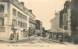 """CPA FRANCE 35 """"Dinard, La Grande Rue Et Arrêt Du Tramway"""" - Dinard"""