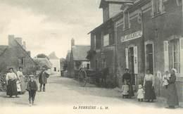 """CPA FRANCE 37 """"la Ferrière, Café Du Moulin"""" - France"""