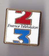 PIN'S THEME  MEDIA  CHAINE DE TELE ANTENNE FRANCE 3  SIGNE DECAT - Medias
