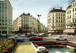 1 Cpsm Lyon - Place De La République (voiture - Une Férrari) - Sonstige