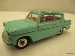 Voiture Miniature 1/43 Em   DINKY TOYS FORD ANGLIA 155   Peinture Verte - Toy Memorabilia