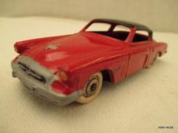 Voiture Miniature 1/43 Em   DINKY TOYS STUDEBAKER COMMANDER   Peinture Rouge Et Noire - Toy Memorabilia