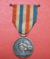 Médaille Des Cheminots - Ch Favre-Bertin - 1942 - Nominative : A. Launay - France