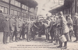 CPA - Grève Des Chemins De Fer - Gare Saint Lazare - Un Cuisine Roulante - Strikes