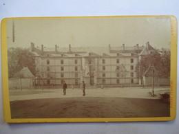 GAP (05) - Photographie Ancienne CDV - Place Ladoucette - Photo Pierre Ferrero , Rue De Valserres, Gap -  TBE - Photographs