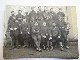 Guerre 1914-18 - Petite Photo Groupe De Soldats Avec Un Infirmier Croix-rouge - Assez BE - War, Military