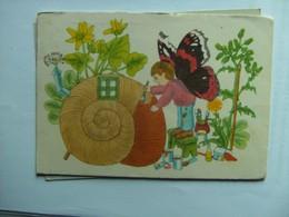 Garçon Avec Escargot Et Papillon Boy With Snail And Butterfly - Kinderen