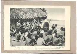 OCEANIE - Iles Du Pacifique - Un Père Mariste Catéchise Les Jeunes Indigènes - DELC2 - - Cartes Postales