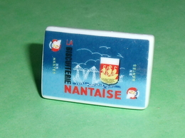 Fèves / Pays / Régions : Biscuit Nantais , Rèze , Nantes 2013 P 30    T6 - Countries