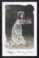CPA Enfant Fillette élégante En Robe Longue - Pretty Girl - Photo - Portraits
