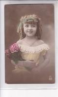 NIÑA FILLE GIRL FINE CLOTHES ELEGANT FLORES FLEURES COLORISE. ER. CIRCA 1900's-. BLEUP - Fotografie