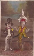 NIÑOS ENFANTS KIDS DISFRAZ DISGUISE MAGICIAN DANCER COLORISE. CIRCA 1900's-. BLEUP - Fotografie