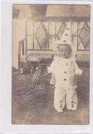NIÑO BOY GARÇON DISFRAZ DISGUISE CLOWN PAYASO CIRCA 1900's-. BLEUP - Fotografie